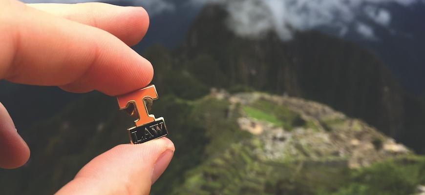 Peru Volunteer Pin